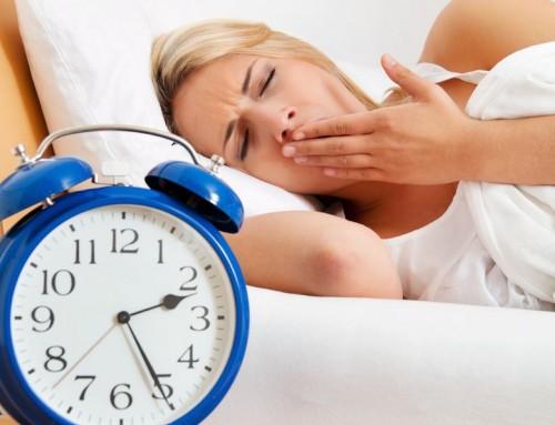 I 10 segnali che indicano che dormi troppo poco