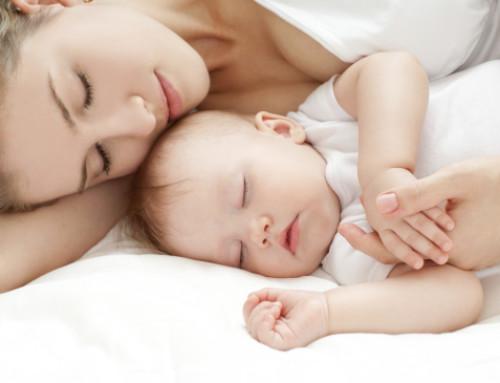 Quante ore devono dormire bambini e ragazzi?