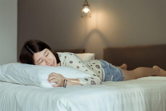 Dormire prono